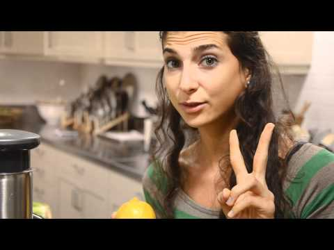 Kristina Carrillo-Bucaram: EAT IT RAW: Green Juices & Smoothies At Sur La Table