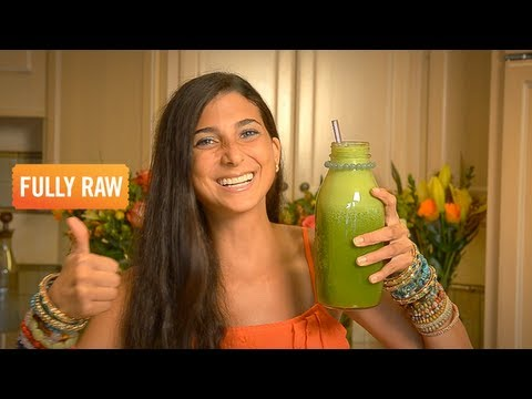 Kristina Carrillo-Bucaram: The Amazing Orange Spinach Basil Smoothie!