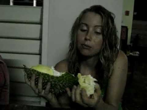 Freelea: Sports Model Girl Eating Durian & Munching!!!